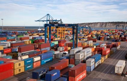 Vista general de la terminal de carga ferro-portuaria